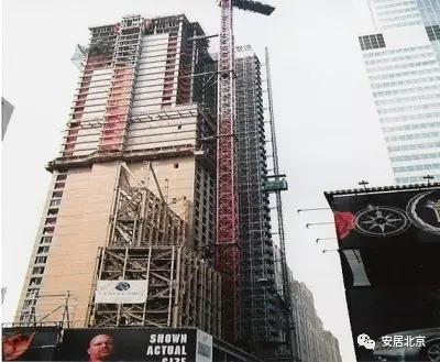 """多数为轻钢木结构体系,在大城市也有许多高层住宅,多数为""""装配式框架"""